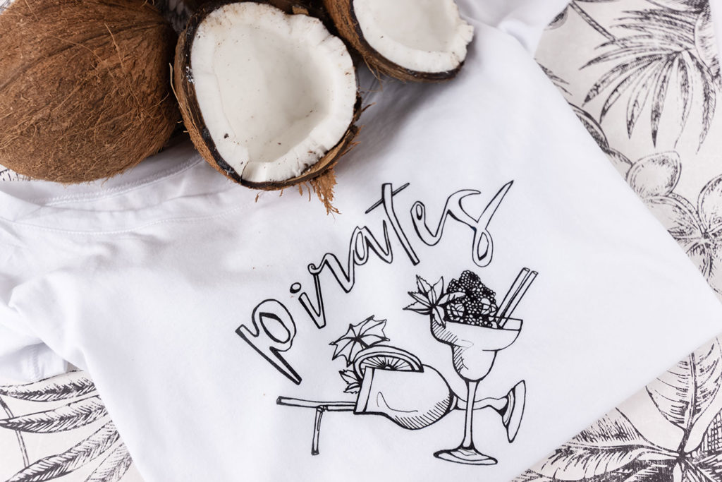 tshirt blanc graphique pirates silowane
